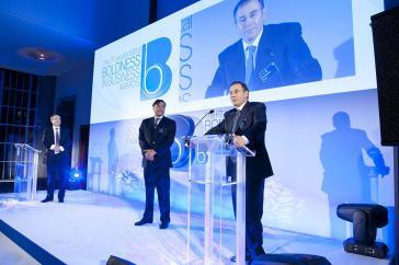 """Glencore-Chef Ivan Glasenberg (am Mikrophon), hier bei der Verleihung des Jahrespreises für """"Unternehmerischen Mut"""" der Financial Times im März 2013"""