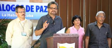 Der Leiter der FARC-Friedensdelegation, Iván Marquez, am 20. April vor Medienvertretern in Havanna