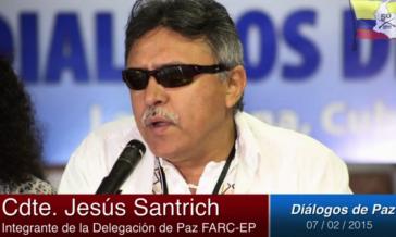 FARC-Kommandant Jesús Santrich verlas das Kommuniqué vor Medienvertretern in Havanna