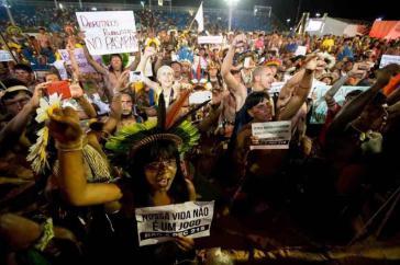 Proteste bei den indigenen Weltspielen gegen den Entwurf PEC 215