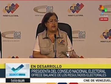 Tibisay Lucena, die Präsidentin des Nationalen Wahlrats, bei der Bekanntgabe der Ergebnisse