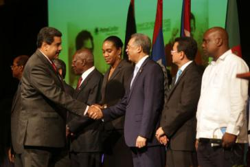 Maduro mit Staatschefs der Petrocaribe-Mitgliedsländer