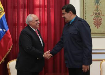 Unasur-Generalsekretär Ernesto Samper sicherte Präsident Maduro bei seinem Besuch am Mittwoch in Caracas Unterstützung zu