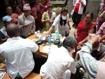 In Nepal nach dem Erdbeben im Einsatz: Ärzte und medizinisches Pflegepersonal aus Kuba