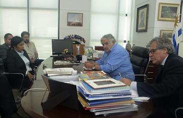 Urguays Päsident Mujica traf mit der Außenministerin von Venezuela, Delcy Rodríguez, zusammen. Rechts im Bild der uruguayische Außenminister Almagro