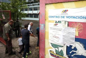 Szene während der Vorwahlen des MUD-Bündnisses