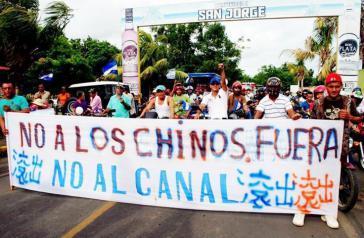 """Demonstration in San Jorge: """"Nein zu den Chinesen - Raus - Nein zum Kanal"""""""