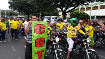 """Demonstration der """"Pimpineros"""" in Cúcuta. Die Grenzschließung offenbart die Abhängigkeit der Wirtschaft vom Schmuggel"""
