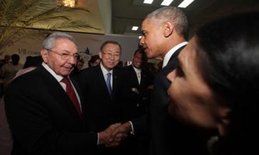 Shake hands in Panama: Raúl Castro und Barack Obama