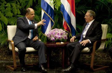 Die Präsidenten von Costa Rica und Kuba,  Luis Guillermo Solís und Raúl Castro