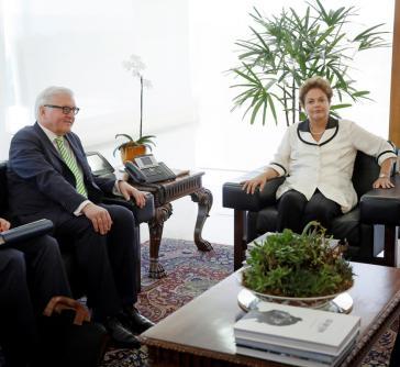 Außenminister Frank Walter Steinmeier und Brasiliens Regierungschefin Dilma Roussef
