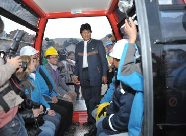 """Evo Morales bei der Einweihung der """"Roten Linie"""""""