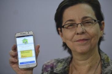 """Ministerin Campello bei der Vorstellung des """"Bolsa Familia""""-Apps am 19. Oktober"""
