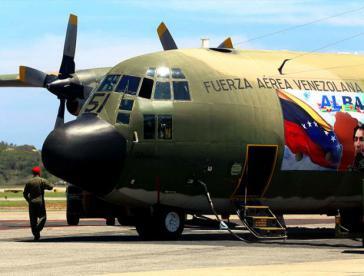 venezolanisches Flugzeug mit Hilfsgüter für Nepal