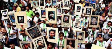 Angehörige von Verschwundenen bei einer Demonstration