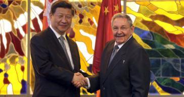 Die Präsidenten Chinas und Kubas, Xi Jinping und Raúl Castro bei ihrem Zusammentreffen in Havanna im Juli 2014