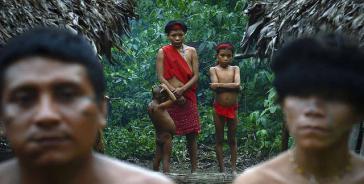 Angehörige der Yanomami in Brasilien