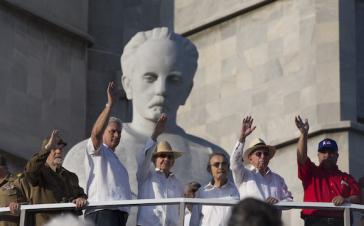 Raúl Castro und Regierungsfunktionäre am 1. Mai in Havanna, Kuba