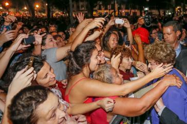 """Präsidentin Dilma Rousseff bei der Kundgebung """"Frauen für Demokratie, gegen den Putsch"""" in Rio de Janeiro am 2. Juni"""