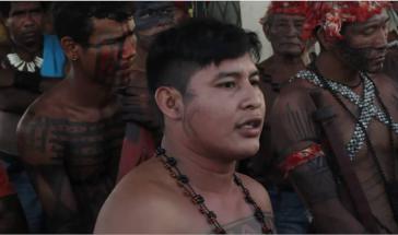 Indigene wehren sich seit Jahren gegen das Projekt. Hier mit einer Besetzung der Baustelle im Mai 2013 (Screenshot)