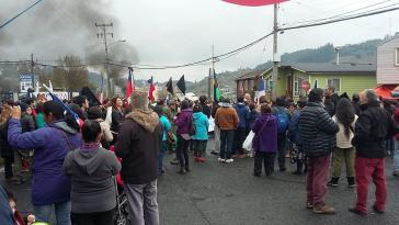 Protestierende Bürger blockieren die Straßen der Insel Chiloé