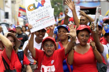 Aktivistinnen des Lokalen Produktions- und Versorgungskomitees (Clap) der Gemeinde El Paraiso in Caracas bei einer Demonstration zur Unterstützung von Präsident Maduro am 25. Oktober