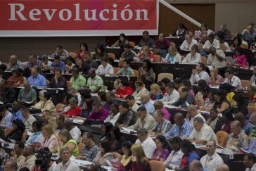 Delegierte beim 7.Parteitag der KP Kubas
