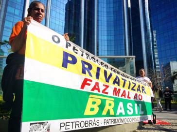 """Erdölarbeiter in Rio de Janeiro im Streik: """"Das Erdöl muss uns gehören - Privatisieren schadet Brasilien"""""""