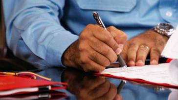 Präsident Maduro unterzeichnet das Dekret zum wirtschaftlichen Notstand in Venezuela