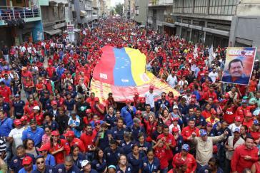 Großdemonstration in Venezuelas Haupstadt zur Unterstützung der Regierung Maduro am 17.Oktober. Aufgerufen hatte die PSUV
