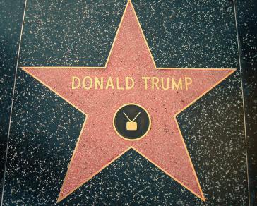 Trumps Stern auf dem Hollywood Walk of Fame in Los Angeles. Dort werden  Prominente geehrt, die eine wichtige Rolle vor allem in der Unterhaltungsindustrie spielen