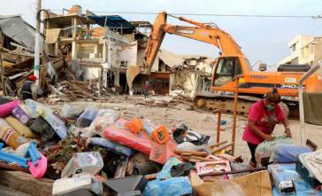 In Ecuador haben die Wiederaufbauarbeiten begonnen
