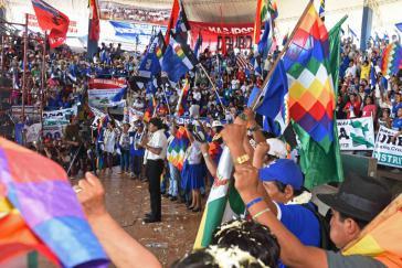Boliviens Präsident Morales bei der Abschlussveranstaltung des 9. Kongresses der Bewegung zum Sozialismus (MAS)