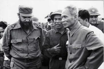 Fidel Castro besuchte im Jahr 1973 die vom Viecong befreite Provinz Quang Tri