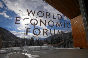 Zweieinhalbtausend Industriekapitäne (CEO's) sind in ein Skizentrum eingefallen, um aus der Welt einen besseren Ort zu machen.