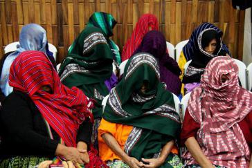Die Klägerinnen im Prozess. Nach dem Urteil zeigten sie das erste Mal ihre Gesichter vor der Öffentlichkeit