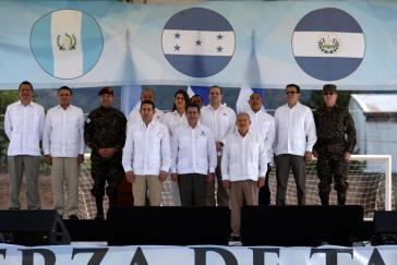 Von links nach rechts: Die Präsidenten Jimmy Morales (Guatemala), Juan Orlando Hernández (Honduras) und Salvador Sánchez Cerén (El Salvador) bei ihrem Treffen am 15. November