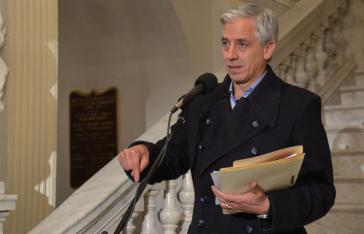 Vizepräsident García Linera bei der Pressekonferenz am 9. Mai