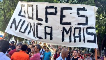 """Demonstranten in Brasilien: """"Nie wieder Staatsstreiche"""""""