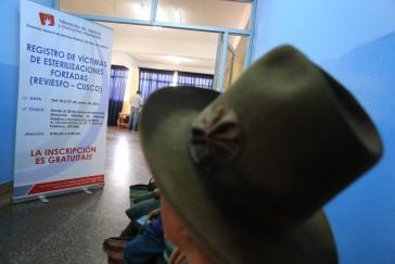 Aushang des Ministeriums für Justiz und Menschenrechte zur Registrierung der Opfer von Zwangssterilisationen