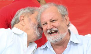 João Pedro Stedile mit Lua da Silva bei einer Kundgebung des MST gegen das Amtsenthebungsverfahren in Brasilien