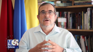 Farc-Chef Rodrigo Londoño Echeverri beim Verlesen der Erklärung
