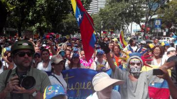 Frauen demonstrierten am Samstag in Venezuelas Hauptstadt Caracas für ein Referendum zur Abwahl von Maduro in diesem Jahr