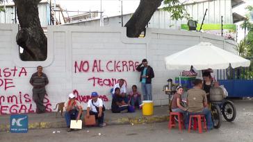 Nach der Bekanntgabe der Schließung am 9. Juli besetzten Arbeiter den Betrieb und forderten die Regierung zum Handeln auf (Screenshot)