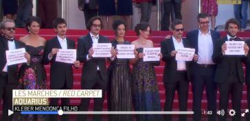 Protest auf dem roten Teppich in Cannes (Screenshot)