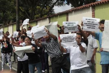 """Arbeiterinnen und Arbeiter von """"Maquilas"""" demonstrieren für sichere Arbeitsplätze und gleichwertigen Lohn"""