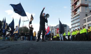 Demonstranten gegen die Steuerreform im Stadtzentrum von Quito