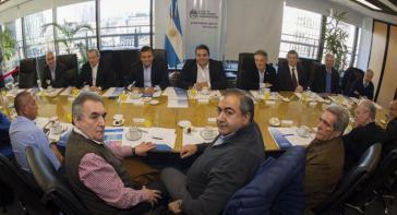 Bei der Gesprächsrunde zwischen CGT und Regierungsvertretern. Vorn im Bild die Gewerkschaftsführer