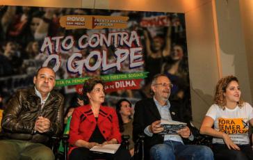 """Dilma Rousseff am 23. August bei einer Veranstaltung gegen den Putsch des Bündnisses """"Volk ohne Angst"""""""