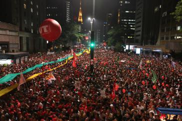 Laut den Veranstaltern demonstrierten 380.000 Menschen auf der zentralen Avenida Paulista in São Paulo